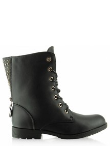 Boots model 44300 Inello